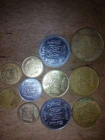 Украинские гривны, купюры и монеты. 28 гривен, в г.Могилёв