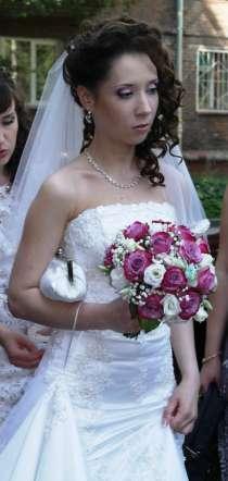 продам свадебное платье силуэта русалка,со шлейфон, в Новосибирске