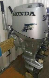 Продам отличный лодочный мотор HONDA BF30, контрактный , в Владивостоке