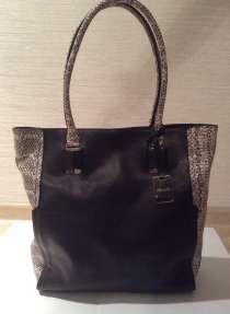 Черная кожаная сумка Kenneth Cole, в Бердске