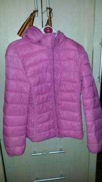 Продам осеннюю курточку для девочки, в Рязани