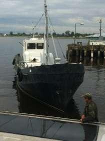 Рыбацкое судно на Ладоге, в Санкт-Петербурге