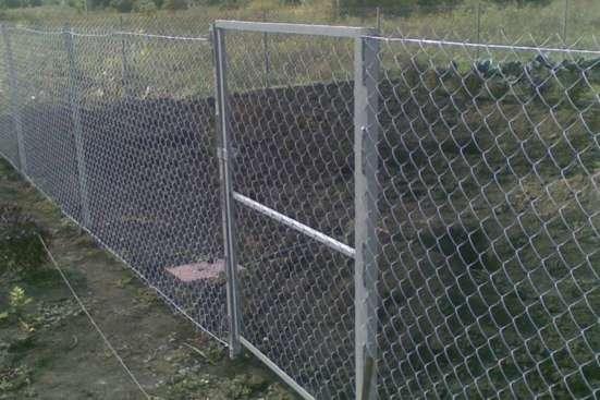Оцинкованная заборная сварная сетка 50х50х1,6мм., выс. 90 м