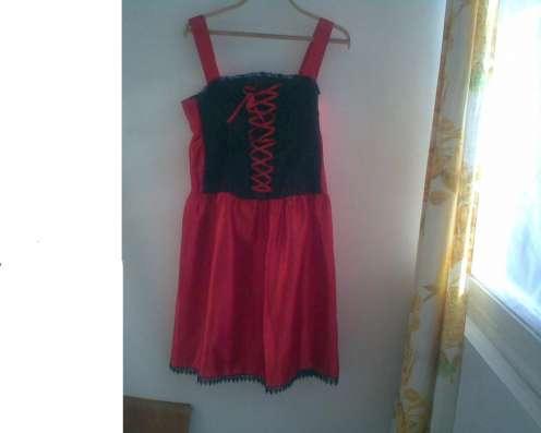 Эксклюзивный красный с черным сарафан на корсете