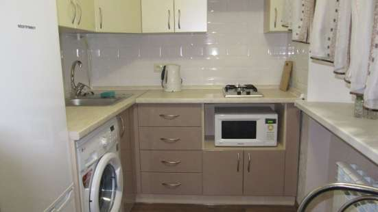 Сдам двухкомнатную квартиру в Ворошиловском р-не. 8500 руб
