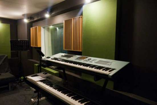 Запись песни, дикторы, студия звукозаписи