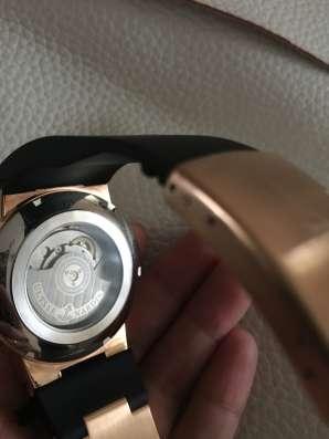 Продаю часы