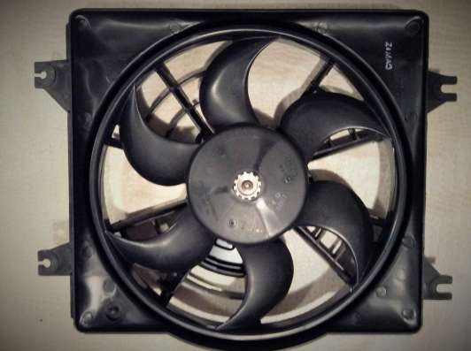 Вентилятор кондиционера в сборе 9773022080 Hyundai Accent
