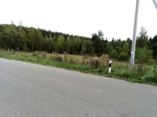 Участок с асфальтированным подъездом в дер. Елево.