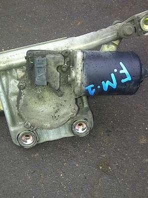Ford Mondeo-I моторчик трапеции стеклоочистителей передний
