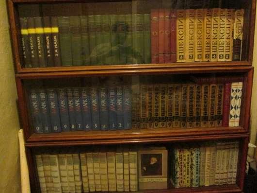 Большая библиотека собраний сочинений и альбомов