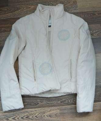 Куртки весна-осень 2шт мало б/у на тонком синтепончике