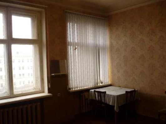 Комната 20кв. м. в 3 к.кв., Московский р-н, м. Электросила