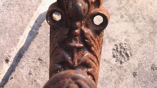 Чугунная ручка немецкая старинная. якорь и буквы СF
