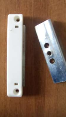 Защёлка балконная магнитная