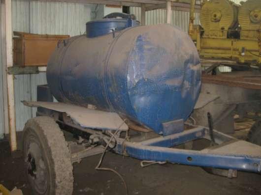 Продам емкость 2000 литров на колесном шасси в Новосибирске Фото 3