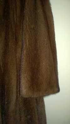 Шуба из норки, цвет-орех, размер 48, с цельным капюшоном