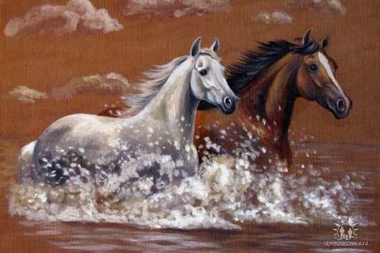 Сувениры на счастье от конного клуба