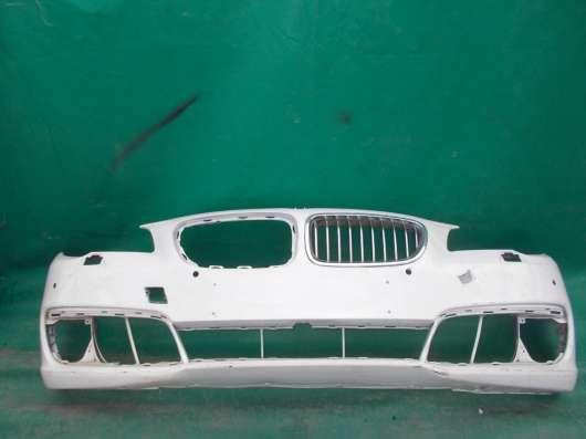 Передний бампер на BMW 5er F10 б. у. оригинал