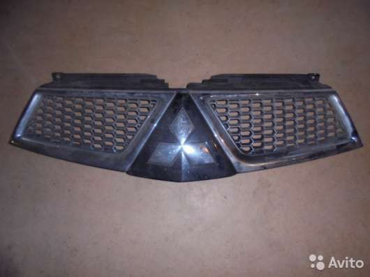 Решетка радиатора Mitsubishi Pajero Sport - 2