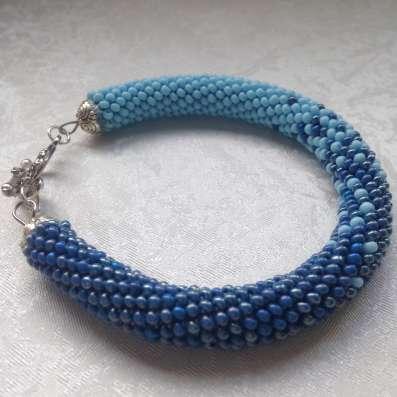Нежно-голубой браслет