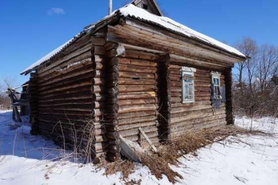 Бревенчатый дом требующий капитального ремонта, в жилой дере