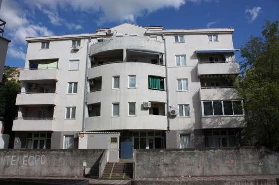 Квартира с 1 спальней в Будве – район Кужины