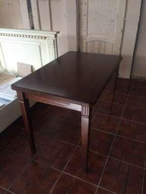 Столы обеденные из массива.