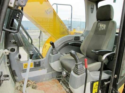 Гусеничный экскаватор JCB 220, 2008 г, 5900 м/ч