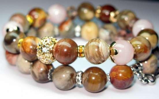 Украшения из полудрагоценных камней: браслеты, бусы, серьги