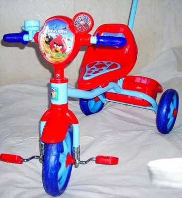 Велосипед  трехколесный с ручкой  Angry Birds , корзинка, но