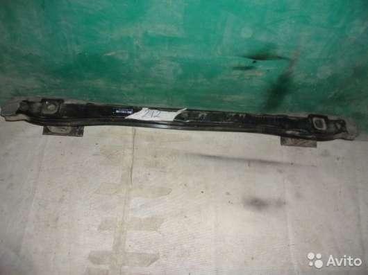 Усилитель заднего бампера на Mercedes Benz E-Klass