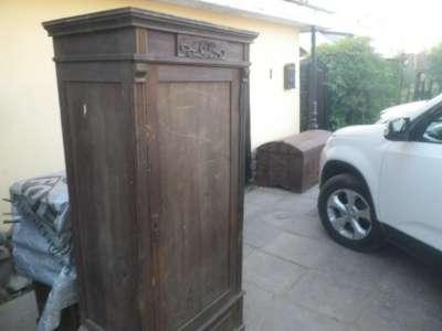 Старинный  платянной  шкаф.