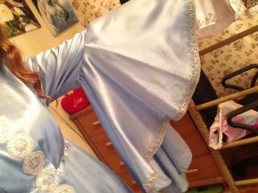 Новогодний костюм снегурочки, надела один раз, стриронное
