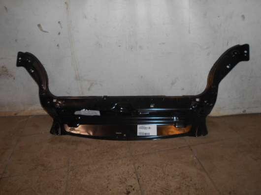 Верхняя передняя панель радиатора на Citroen Berlingo