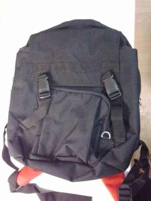 Рюкзак черный с красным. два отделения. в Москве Фото 1