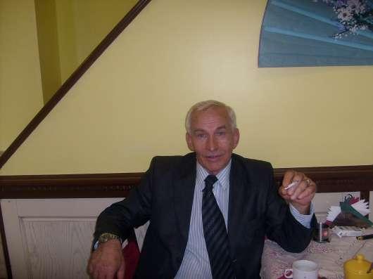 Виктор, 67 лет, хочет познакомиться
