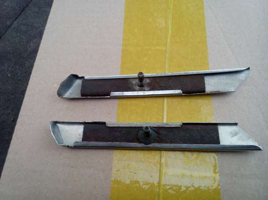 Хром. накладки задних стоек М408