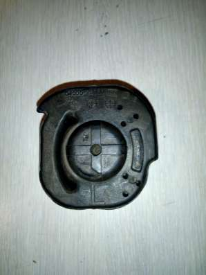 Сайлентблок L для Хундай Лантра кузов JF3