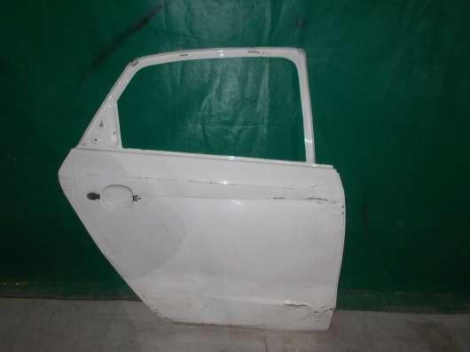 Правая задняя дверь Volkswagen Polo