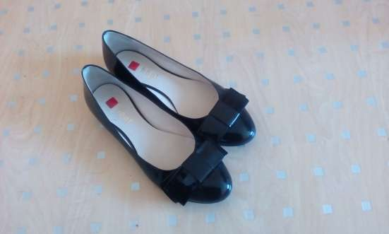 Туфли черные лаковые