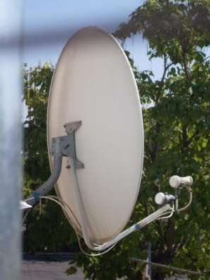 спутниковую антенну и тюнер