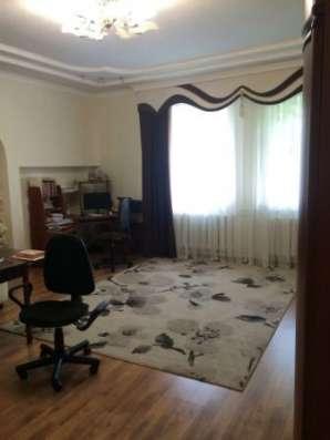 В Кропоткине по Молодежной дом с мансардой 172 кв.м. на уч 4