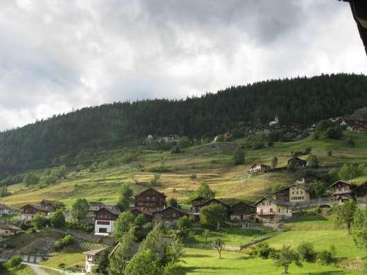 Вилла в Гуттет с прекрасным видом на Альпы и долину Роне