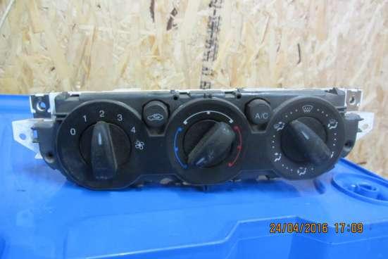Блок управления печкой Ford Focus 2