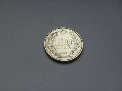 Монета 100 Лир 1990 год Турция