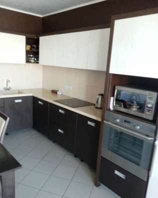 Кухонный гарнитур 1790 x 3920 мм. Б/у