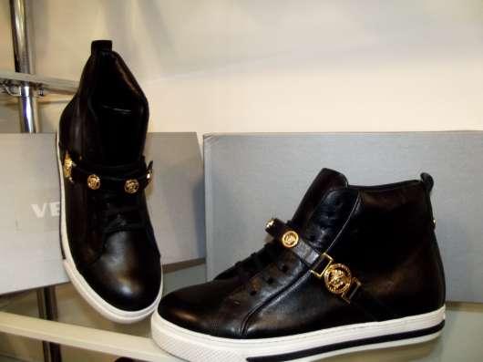 мужская обувь от ведущих брендов