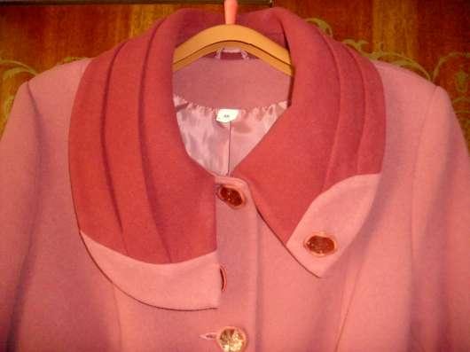 Пальто драповое,фуксия комбинированный цвет в г. Вологда Фото 1