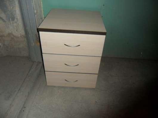столы комбинированные в хорошем состоянии